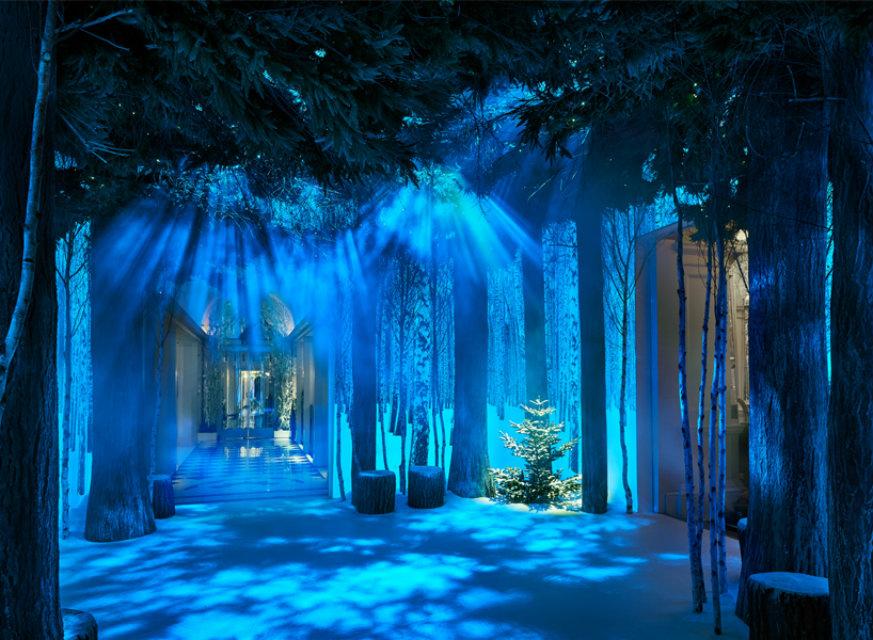 CLARIDGE'S CHRISTMAS TREE 2016 claridge's christmas tree 2016CLARIDGE'S CHRISTMAS TREE 2016 BY THE DUO SIR JONY IVE AND MARC NEWSONjony ive marc newson claridges christmas tree 2016 designboomthumbnews1