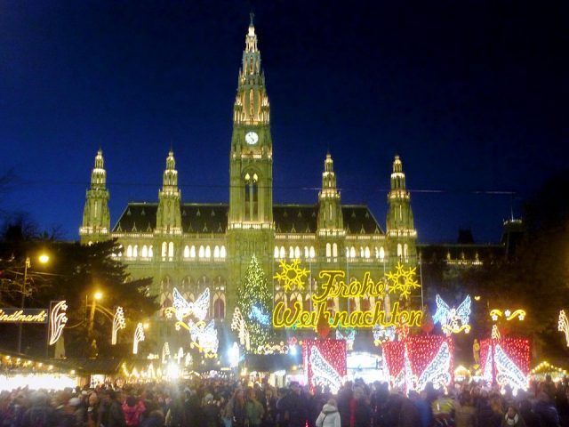 The 2016 Incredible Vienna Christmas Markets Christmas MarketsThe 2016 Incredible Vienna Christmas Marketschristmas market 228940 960 720 e1480696353670
