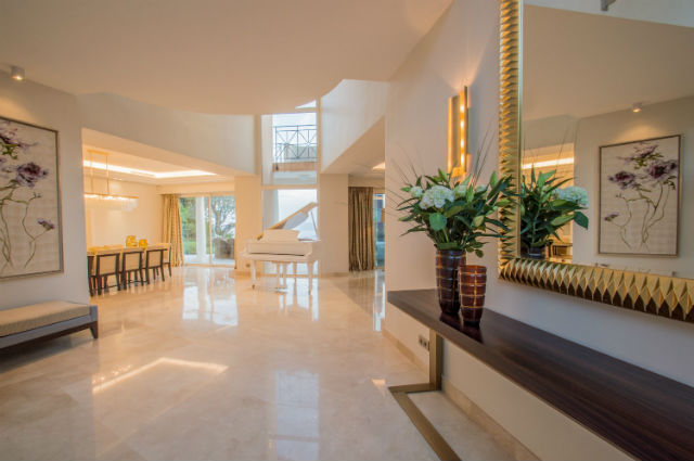 Luxoria Interiors Teams Up With BRABBU For a Residential Project Residential ProjectLuxoria Interiors Teams Up With BRABBU For a Residential Project2