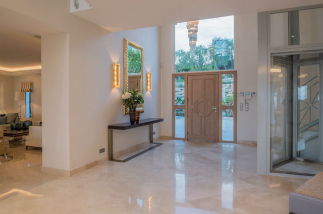 Luxoria Interiors Teams Up With BRABBU For a Residential Project Residential ProjectLuxoria Interiors Teams Up With BRABBU For a Residential Project3
