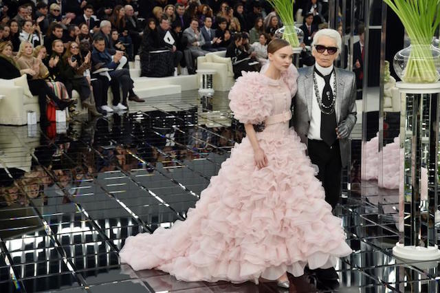 Fashion Week: Highlights of the 2017 show Paris Fashion WeekParis Fashion Week: Highlights of the 2017 Spring show   Paris Fashion Week Highlights of the 2017 show 3