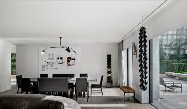 Olivier Dwek Completes S Apartment in Paris and It Looks OutstandingOlivier Dwek Completes S Apartment in Paris and It Looks Outstanding 4