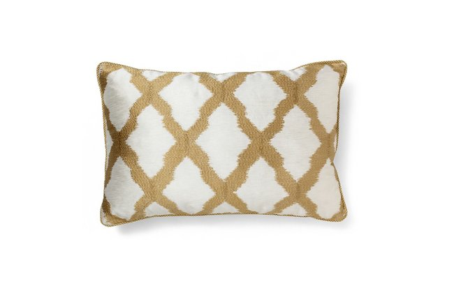 Winter Holiday Trends 2018: be inspired with BRABBU holiday trendsWinter Holiday Trends 2018: be inspired with BRABBUrsz morocco gold classic pillow by brabbu