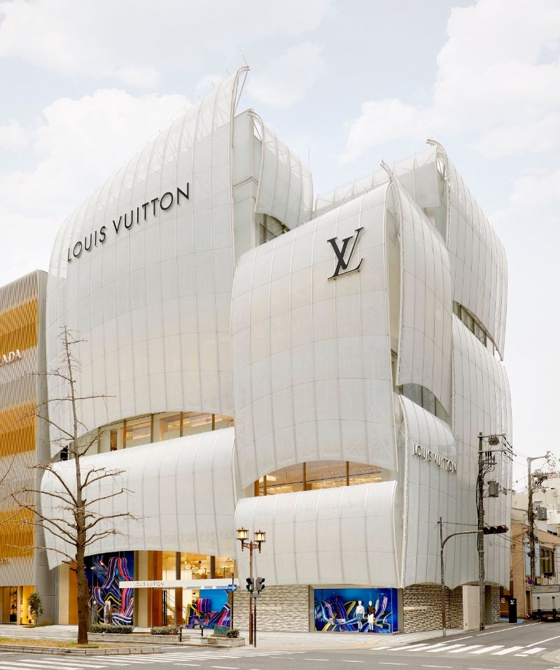 All about the first-ever restaurant and café by Louis Vuitton louis vuittonAll about the first-ever restaurant and café by Louis VuittonAll about the first ever restaurant and caf   by Louis Vuitton 1