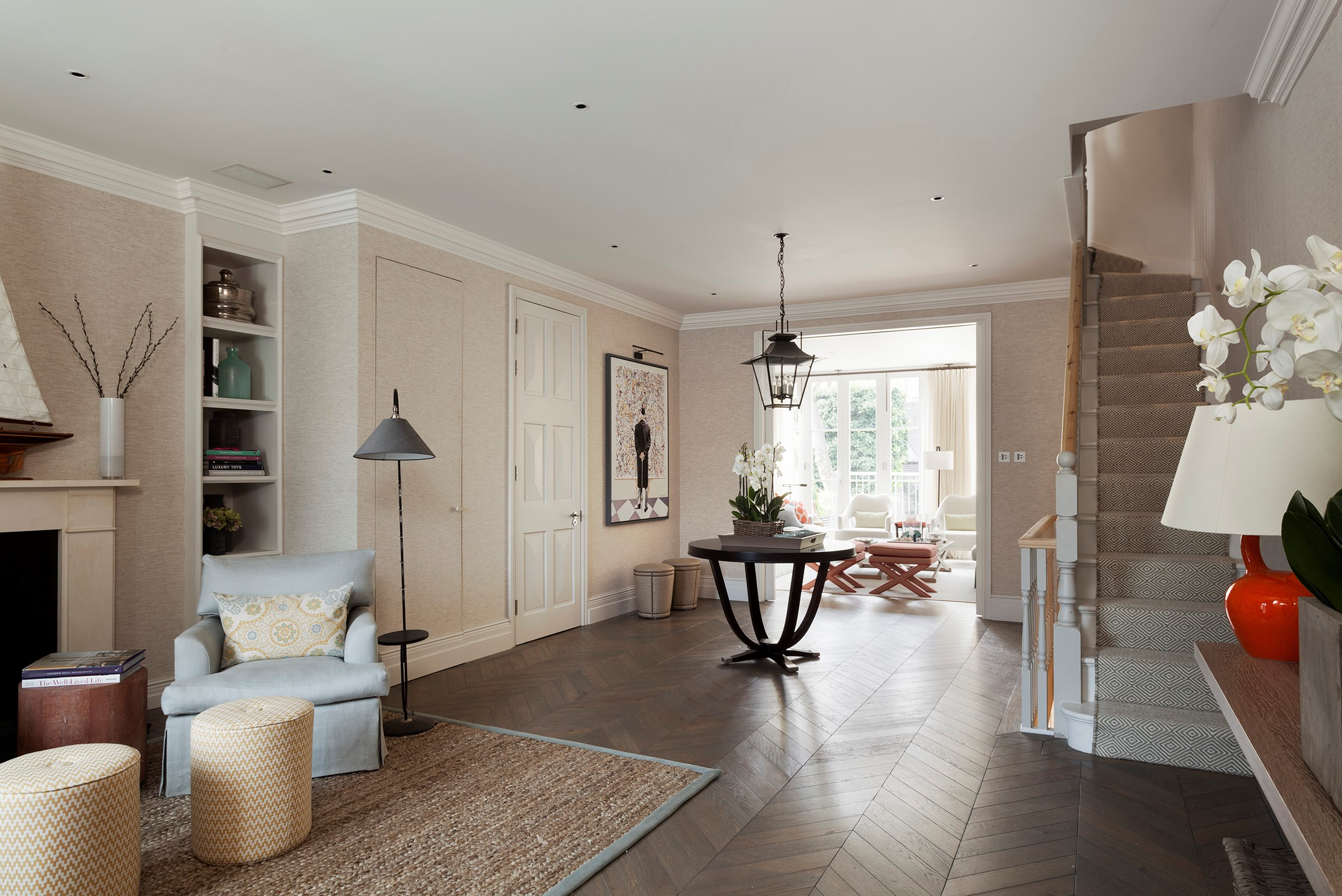 Sophisticated House in Central London with BRABBU´s Armchairs sophisticated houseSophisticated House in Central London with BRABBU´s ArmchairsMelissa and Miller Interiors 2