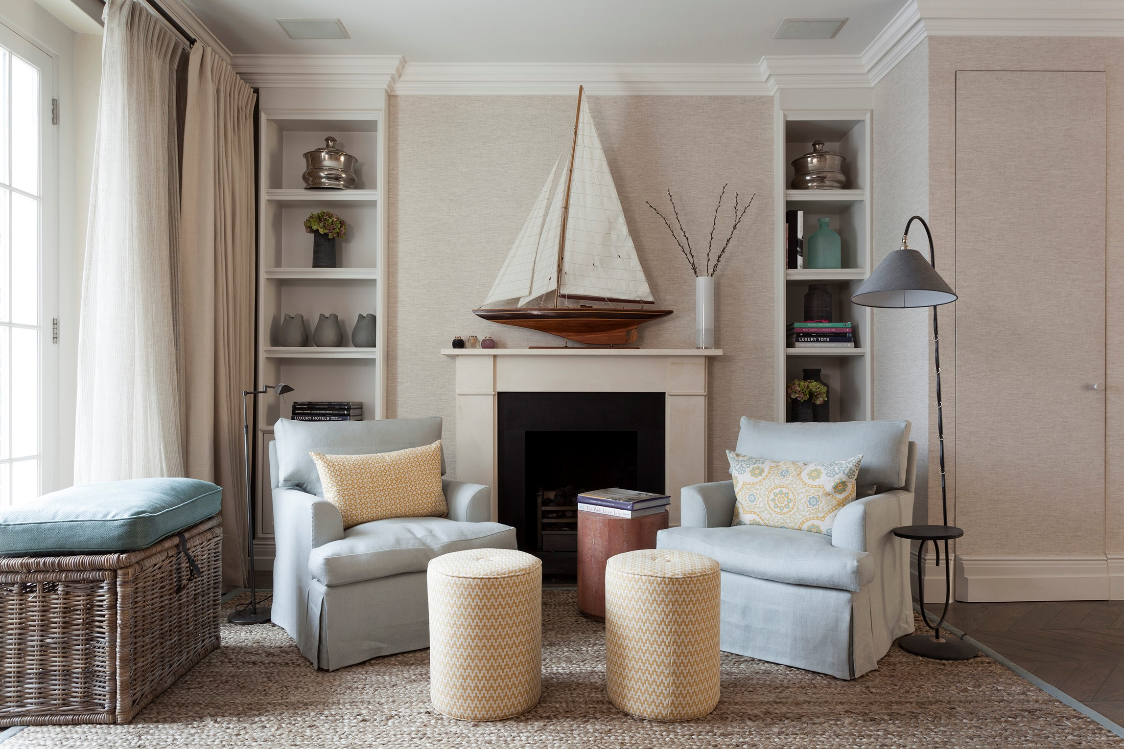 Sophisticated House in Central London with BRABBU´s Armchairs sophisticated houseSophisticated House in Central London with BRABBU´s ArmchairsMelissa and Miller Interiors 3